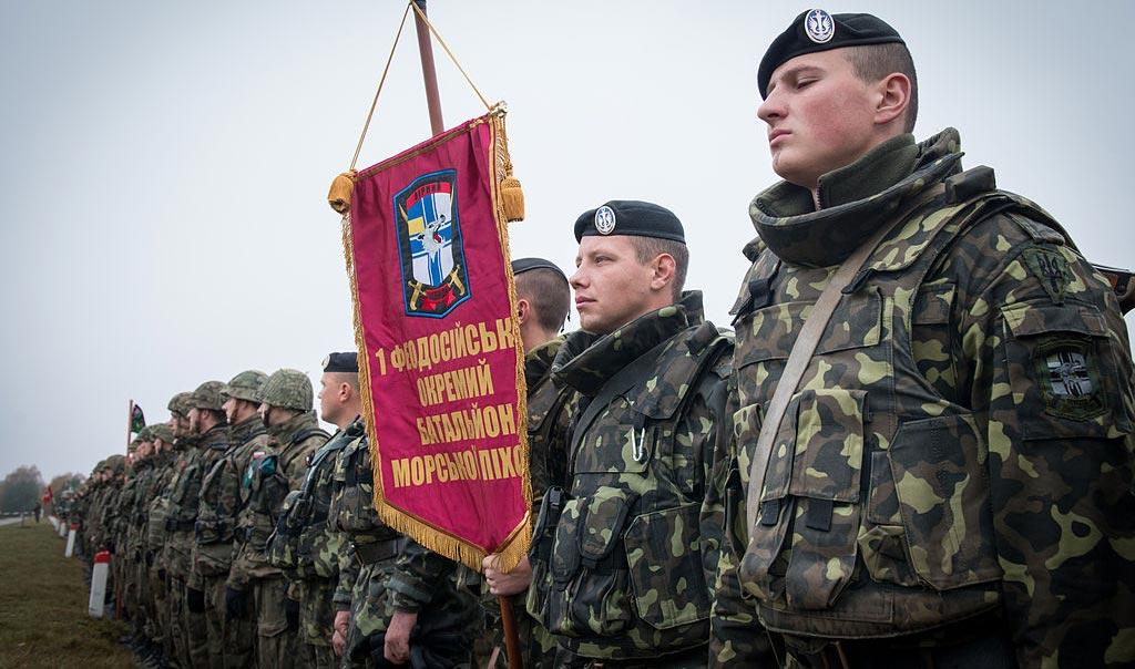 """""""Врятуйте армію в Криму!"""" Що стоїть за істерикою в інформаційному просторі?"""